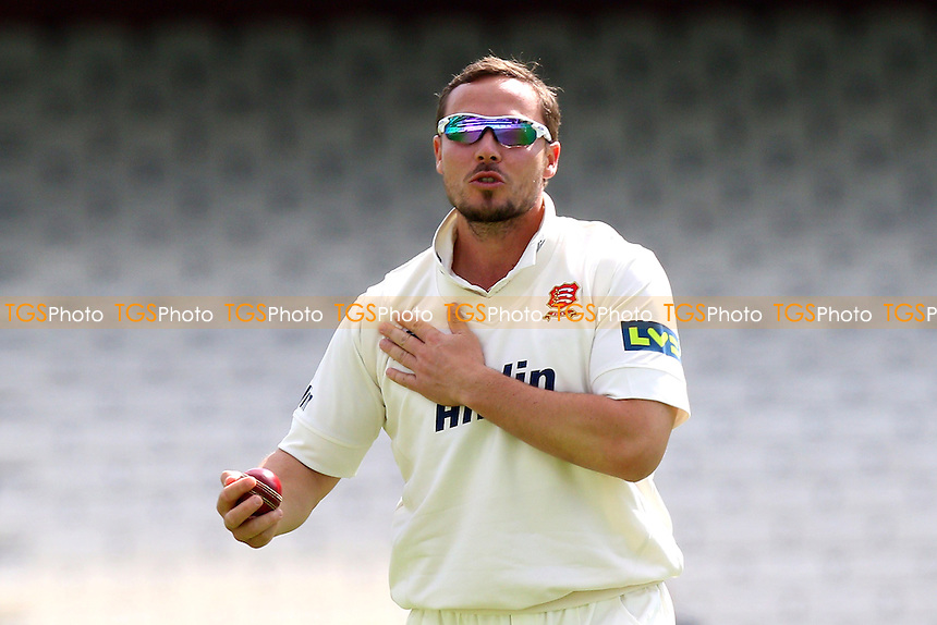 Graham Napier of Essex - Surrey CCC vs Essex CCC - LV County Championship Division Two Cricket at the Kia Oval, Kennington, London - 27/04/15 - MANDATORY CREDIT: Gavin Ellis/TGSPHOTO - Self billing applies where appropriate - contact@tgsphoto.co.uk - NO UNPAID USE