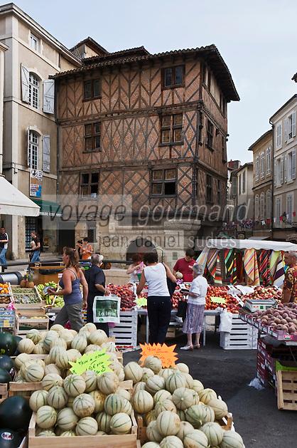 Europe/France/Midi-Pyrénées/32/Gers/Auch: Maison à colombages du XV ème qui abrite l'Office du Tourisme   et Marché Place de la Libération
