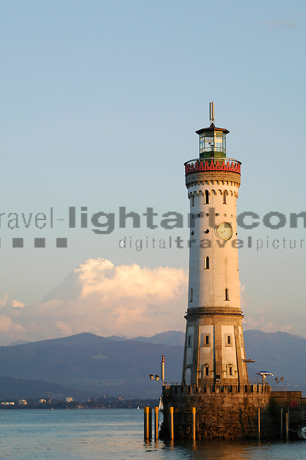 ©Paul Trummer, Mauren / FL, www.travel-lightart.com, Lindau, Bodensee, Bayern, Deutschland, Lake Constance, Bavaria, Germany, Europe, Geography, Europa, Geografie, Binnenhafen, Hafenanlage, Hafenanlagen, Maritim, Örtlichkeiten, Hafeneinfahrt, Hafenbecken, harbor basin, harbour, harbour basin, harbours, localities, maritime, harbour entrance, Architektur, bauten, Bauwerke, Gebäude, Haus, Leuchtturm, Leuchttürme, Architecture, building, buildings, house, lighthouse, lighthouses, tower, towers, Leuchtfeuer, beacon, beacons, flare, flares