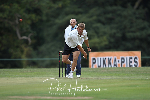 ED SLATER of Leicester Tigers RFC ..... SEPT 2011 ..... ALL-STARS CHARITY CRICKET ..... Rothley Park CC
