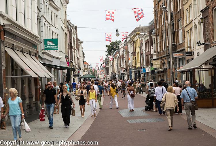 Busy pedestrianised Sunday shopping street, 's-Hertogenbosch, Den Bosch, North Brabant province, Netherlands