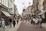 Busy pedestrianised Sunday shopping street, 's-Hertogenbosch, Den Bosch, North Brabant province, Netherlands