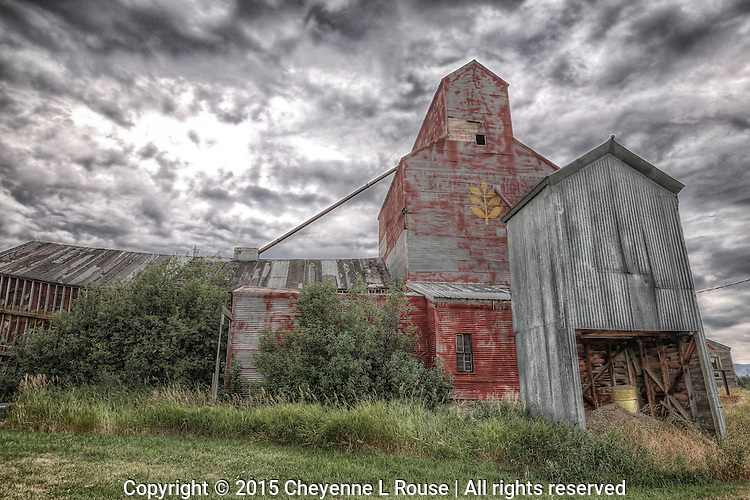 Red Grain Elevator - Montana (horizontal)