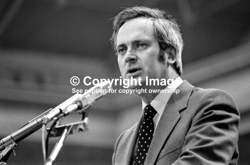 John Bruton, TD, Fine Gael, political party, Rep of Ireland, speaking at his party's annual conference, aka Ard Fheis. 198103000060JB2..Copyright Image from Victor Patterson, 54 Dorchester Park, Belfast, United Kingdom, UK...For my Terms and Conditions of Use go to http://www.victorpatterson.com/Victor_Patterson/Terms_%26_Conditions.html