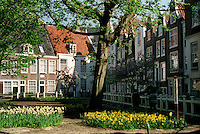 The Medieval beguine convent in Amsterdam (Netherlands, 12/04/1991)