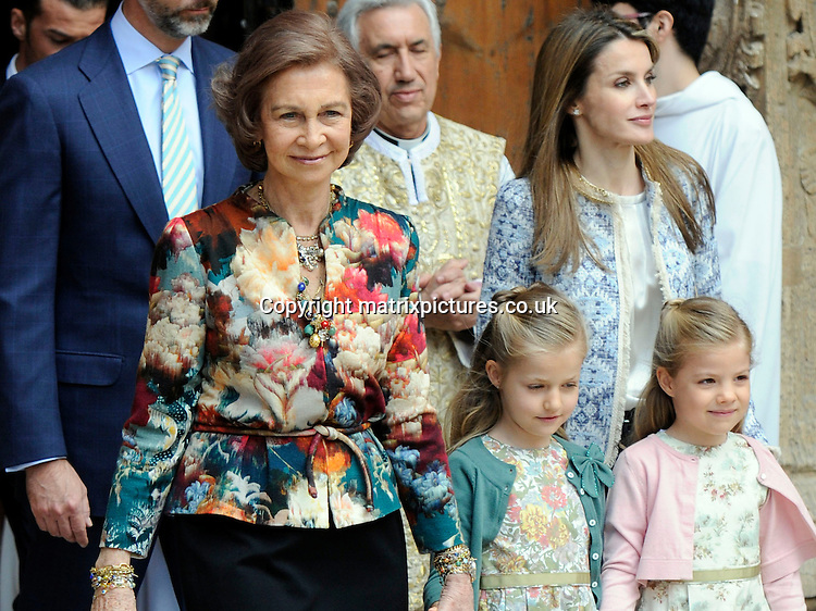 NON EXCLUSIVE PICTURE: MATRIXPICTURES.CO.UK.PLEASE CREDIT ALL USES..UK, AUSTRALIA, NEW ZEALAND AND ASIA RIGHTS ONLY..Spanish royals Queen Sofia and Princess Letizia are pictured attending an Easter service, at Palma Cathedral in Majorca, Spain...MARCH 30st 2013..REF: KDA 132131..KM