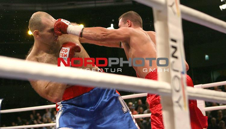 NABA-Meisterschaft im Schwergewicht<br /> NABA Heavyweight Title 12 rounds<br /> Berufsboxgala in der EWE Arena in Oldenburg<br /> Jean-Francois Bergeron (Kanada #Titelverteidiger / Champion) vs Nikola Valuev ( Russland # Herausforderer / Challenger )<br /> Foto &copy; nph ( nordphoto )<br /> <br /> <br /> <br /> <br /> <br /> <br /> <br /> <br /> <br /> <br /> <br /> <br /> <br /> <br /> <br /> <br /> <br /> <br /> <br /> <br /> <br /> <br /> <br /> <br /> <br /> <br /> <br /> <br /> <br /> <br /> <br />  *** Local Caption ***