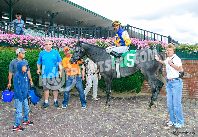 Saint Abbey winning at Delaware Park on 8/9/15