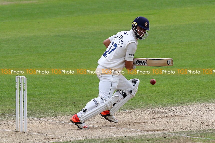 Ryan ten Doeschate in batting action for Essex CCC