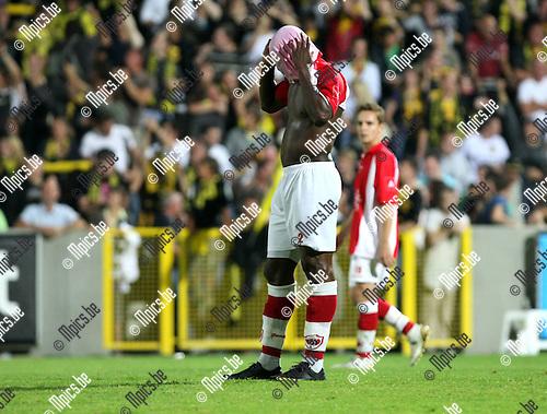 2009-08-26 / Voetbal / seizoen 2009-2010 / Lierse Sk - Antwerp FC / Thomas Phibel (Antwerp)..Foto: Maarten Straetemans (SMB)