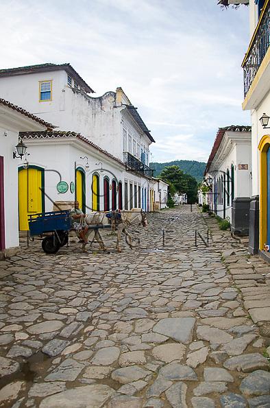 Carroceiro no centro histórico, Paraty- RJ, 01/2014.