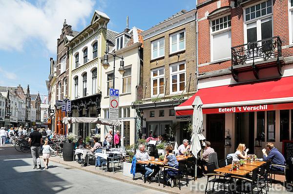 Nederland  Den Bosch  2016 . Terrasje in het centrum van Den Bosch.  Foto  Berlinda van Dam / Hollandse Hoogte