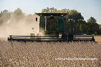 63801-07303 Soybean harvest with John Deere combine in Marion Co. IL