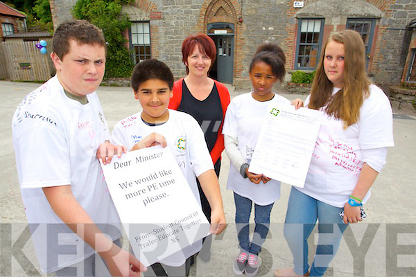 Pictured are students from the Tralee Educate Together School, who wrote a letter to the Government as they are looking for more Physical Education time, l-r: Dylan Moran, Nicholas Oggyngo, Mary Ann Keane (Student Council Committee and Board of Management) Sherraya O'Connell and Jessica Davis.