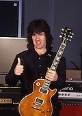 Sep 14, 1988: GARY MOORE at Hook End Studios