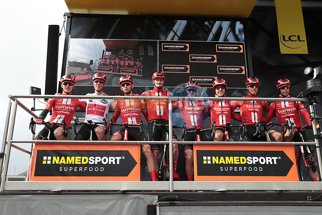 Leading team team Sunweb at sign on before Stage 2 of the 78th edition of Paris-Nice 2020, running 166.5km form Chevreuse to Chalette-sur-Loing, France. 9th March 2020.<br /> Picture: ASO/Fabien Boukla | Cyclefile<br /> All photos usage must carry mandatory copyright credit (© Cyclefile | ASO/Fabien Boukla)
