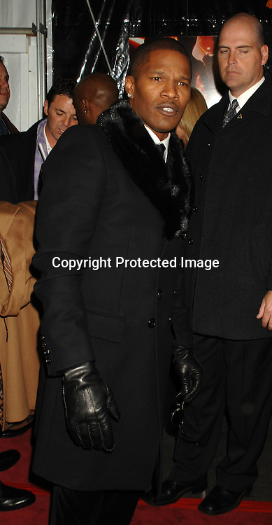 """Jamie Foxx..arriving at The World Premiere of """"Dreamgirls"""" on ..December 4, 2006 at The Ziegfeld Theatre in New York, ..Roibn Platzer, Twin Images"""