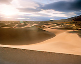 USA, California, Stovepipe Wells sand dunes, Death Valley National Park