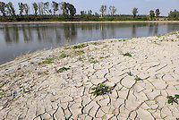 - exceptional low water of the Po ....- secca eccezionale del fiume Po