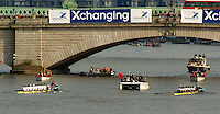 London, GREAT BRITAIN,  Umpire Pete BRIDGE, starts the 2007 Boat race,  win the 2007 Boat race, on  Sat. April 7th. England [Photo Patrick White/Intersport Images] Varsity Boat Race, Rowing Course: River Thames, Championship course, Putney to Mortlake 4.25 Miles,
