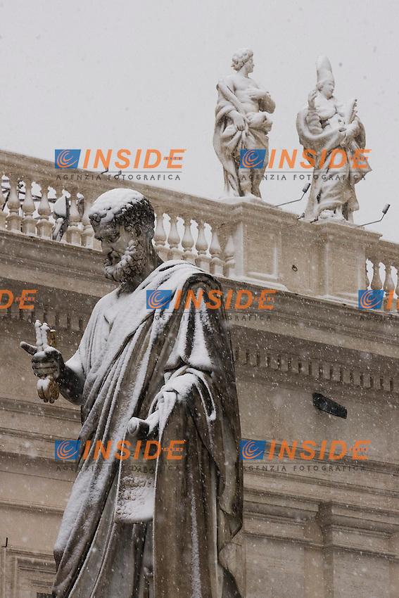 Roma 03/02/2012 Neve a Piazza San Pietro in Vaticano.Foto Insidefoto Serena Cremaschi