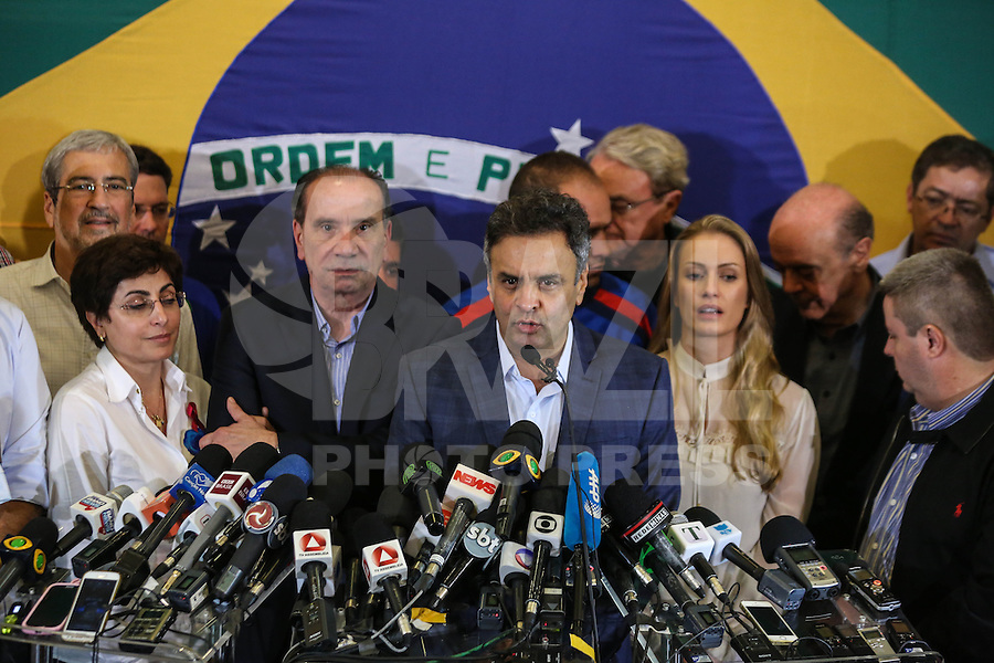 BELO HORIZONTE, MG, 26.10.2014 - ELEICOES 2014 / AÉCIO NEVES PRONUNCIAMENTO - Aecio Neves candidato derrotado nas eleicoes presidencias durante pronunciamento no Dayrell Hotel no centro de Belo Horizonte (MG), neste domingo, 26. (Foto: William Volcov / Brazil Photo Press).