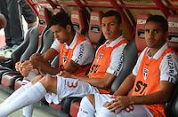 SÃO PAULO, SP, 05 DE MAIO DE 2013 - CAMPEONATO PAULISTA - SÃO PAULO x CORINTHIANS: Lúcio (c) no banco de reservas durante partida São Paulo x Corinthians, válida pela semifinal do Campeonato Paulista de 2013, disputada no estádio do Morumbi em São Paulo. FOTO: LEVI BIANCO - BRAZIL PHOTO PRESS.