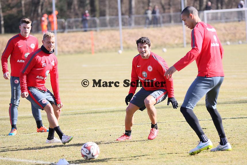 Luca Waldschmidt, Sonny KIttel, Nelson Valdez und Bamba Anderson - Eintracht Frankfurt Training, Commerzbank Arena