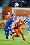 Nederland, Rotterdam, 15 oktober 2012.Interland.Jong Oranje-Jong Slowakije.Norbert Gyomber van Jong Slowakije en Luuk de Jong (r.) van Jong Oranje strijden om de bal
