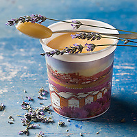 Europe/France/Provence-Alpes-Cote d'Azur/04/ Alpes de Haute-Provence/Valensole: Miel de Lavande du Plateau de Valensole - Stylisme : Valérie LHOMME //   France, Alpes de Haute Provence, Verdon Regional Natural Park,   lavender honey jar from the Valensole plateau