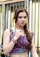 July 06, 2012  Hailee Steinfeld, shooting on location for new VH-1 movie Can a Song Save Your Life? in New York City.Credit:© RW/MediaPunch Inc. *NORTEPHOTO.COM*<br /> **CREDITO*OBLIGATORIO** <br /> **No*Venta*A*Terceros**<br /> **No*Sale*So*third**<br /> *** No*Se*Permite Hacer Archivo**<br /> **No*Sale*So*third**