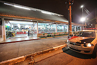 SAO PAULO, SP, 17 DE FEVEREIRO 2013 - DESABAMENTO RESTAURANTE - Desabamento de teto do restaurante Habbibs no final da noite deste sabado 16 no bairro do Ipiranga regiao sul da cidade de Sao Paulo. FOTO: VANESSA CARVALHO - BRAZIL PHOTO PRESS.