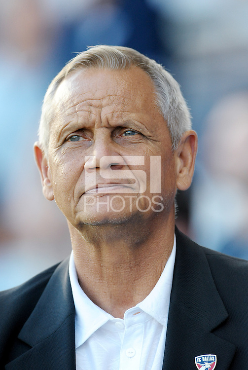 Schellas Hyndman FC Dallas head coach... Sporting KC defeated FC Dallas 2-1 at LIVESTRONG Sporting Park, Kansas City, Kansas.