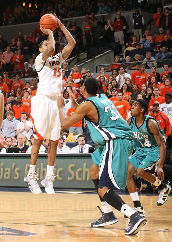 Virginia beat UNC Wilmington 69-67 Monday Jan. 18, 2010 in Charlottesville, Va. Virginia guard Sylven Landesberg (15) (Photo/The Daily Progress/Andrew Shurtleff)
