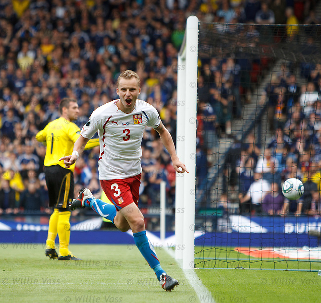 Michal Kadlec scores for Czech Republic from the penalty spot in the last minute of the match and celebrates