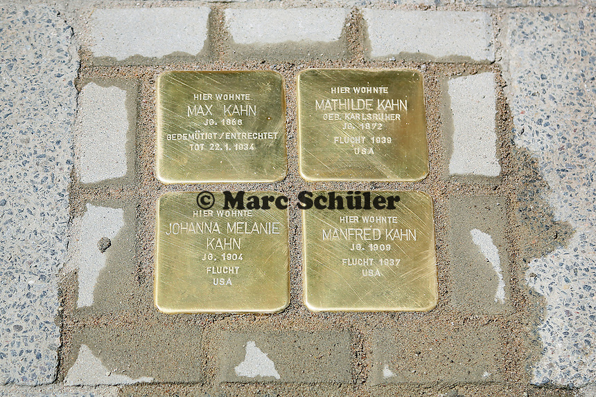 Stolpersteine der Familie Kahn in der Oppenheimer Straße 15 - Stolpersteinverlegung in Geinsheim