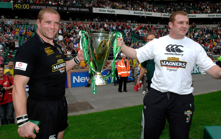 Photo: Richard Lane..London Wasps v Leicester Tigers. Heineken Cup Final. 20/05/2007. .Wasps' Phil Vickery and Tim Payne celebrate with the trophy.