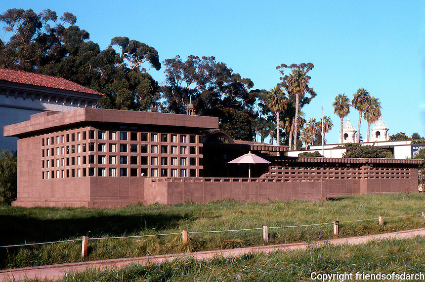 "F.L. Wright: Usonian House, ""In the Realm of Ideas"". Show of Wright's work, August 1990. Balboa Park. (Photo 2005)"