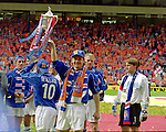 Andrei Kanchelskis holds aloft the Scottish Cup after the final in 2000 where Rangers defeated Aberdeen