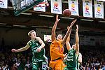 S&ouml;dert&auml;lje 2014-04-26 Basket SM-final S&ouml;dert&auml;lje Kings - Norrk&ouml;ping Dolphins :  <br /> Norrk&ouml;ping Dolphins Pierre Hampton  i kamp om bollen med S&ouml;dert&auml;lje Kings Tobias Borg och S&ouml;dert&auml;lje Kings Dino Butorac p&aring; en retur<br /> (Foto: Kenta J&ouml;nsson) Nyckelord:  S&ouml;dert&auml;lje Kings SBBK Norrk&ouml;ping Dolphins SM-final Final T&auml;ljehallen
