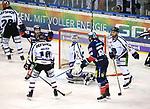 08.03.2019, Mercedes Benz Arena, Berlin, GER, 1.DEL, EISBAEREN BERLIN  VS.  Straubing Tigers, im Bild <br /> 4: 1 durch James Sheppard (Eisbaeren Berlin #88), Sean Backman (Eisbaeren Berlin #61),<br /> Jeffrey Zatkoff (Straubingen Tigers #37), T.J. Mulock (Straubingen Tigers #15), Fredrik Eriksson (Straubingen Tigers #33)<br /> <br />      <br /> Foto &copy; nordphoto / Engler