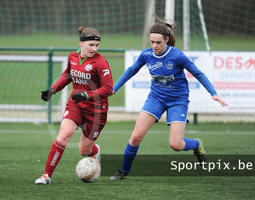 20160206 - Zulte , BELGIUM : Zulte Waregem's Liesa Capiau (L) and  Genk's Fien Steyvers (R) pictured during the soccer match between the women teams of Zulte Waregem and Ladies Genk , in the quartel final matchday of the Belgian CUP - Beker van Belgie voor Vrouwen competition on Saturday 6th February 2016 in Zulte .  PHOTO SPORTPIX.BE DIRK VUYLSTEKE