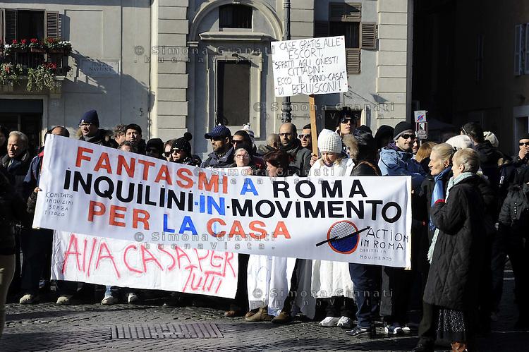 Roma, 25 Gennaio 2011.Piazza Navona, manifestazione dell'unione inquilini e di Action contro gli sfratti e le politiche abitative del governo