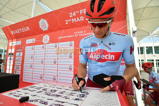 Marcel Kittel (GER) Team Katusha Alpecin signs on before the start of Stage 3 of the 2019 UAE Tour, running 179km form Al Ain to Jebel Hafeet, Abu Dhabi, United Arab Emirates. 26th February 2019.<br /> Picture: LaPresse/Massimo Paolone | Cyclefile<br /> <br /> <br /> All photos usage must carry mandatory copyright credit (© Cyclefile | LaPresse/Massimo Paolone)