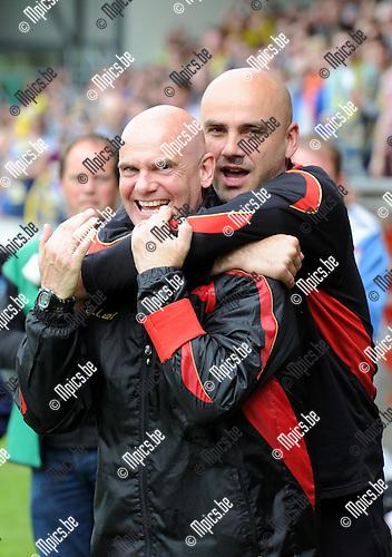 2014-04-27 / Voetbal / seizoen 2013-2014 / KVC Westerlo kampioen in tweede klasse /  Dennis Van Wijk met assistent Vedran Pelic (r.)<br /><br />Foto: mpics.be