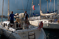 Italien, Elba, Portoferraio, Segelboot im Hafen