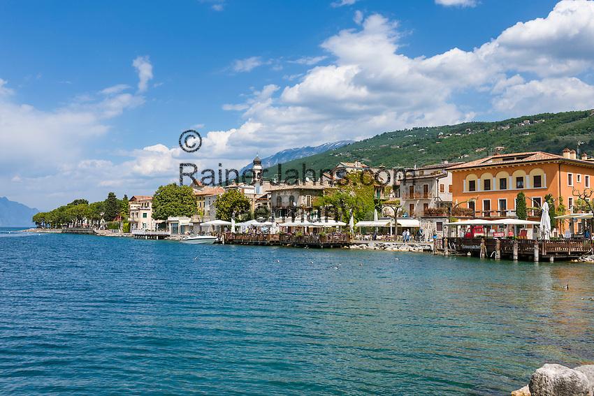 Italy, Veneto, Lake Garda, Torri del Benaco: small harbour at East Bank of Lake Garda   Italien, Venetien, Gardasee, Torri del Benaco: kleiner Hafen am Ostufer des Gardasees