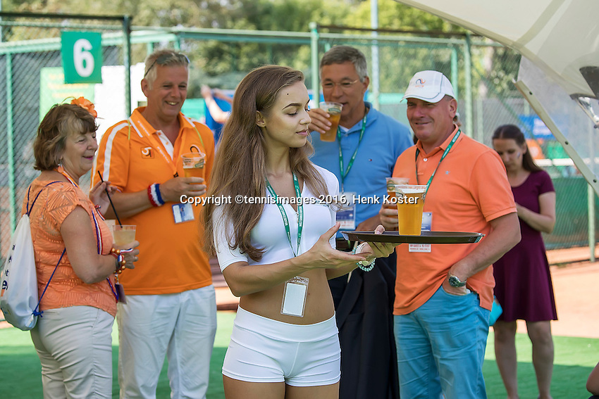 Moscow, Russia, 16 th July, 2016, Tennis,  Davis Cup Russia-Netherlands, Doubles : The service is good<br /> Photo: Henk Koster/tennisimages.com