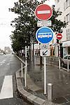 20080109 - France - Aquitaine - Pau<br /> TOUT LE CENTRE-VILLE DE PAU EST INTERDIT AUX VOITURES : SEULS PASSENT LES BUS, NAVETTES GRATUITES, VELOS ET PIETONS.<br /> Ref : CENTRE_PIETONNIER_003.jpg - © Philippe Noisette.