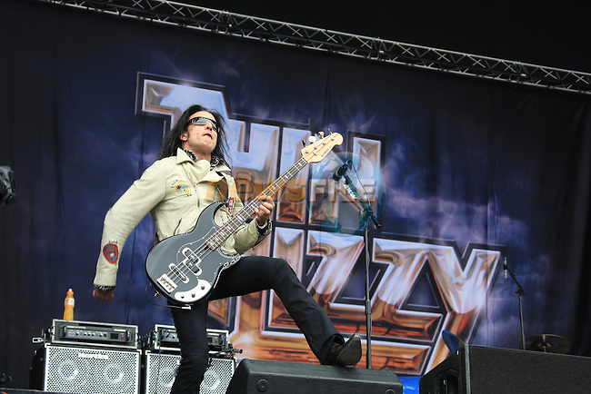 Thin Zizzy on stage at the Kings of Leon concert at Slane Castle..Picture Fran Caffrey/www.newsfile.ie